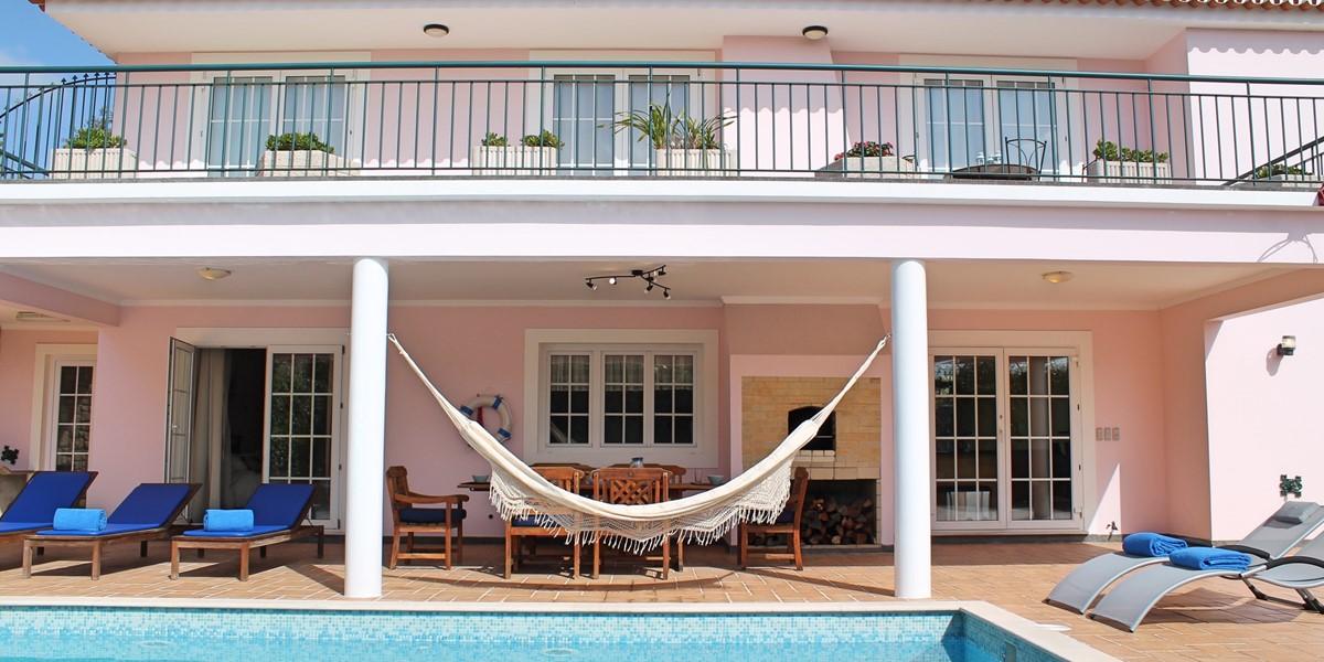 24 MHRD Casa Petronella Pool And Exterior