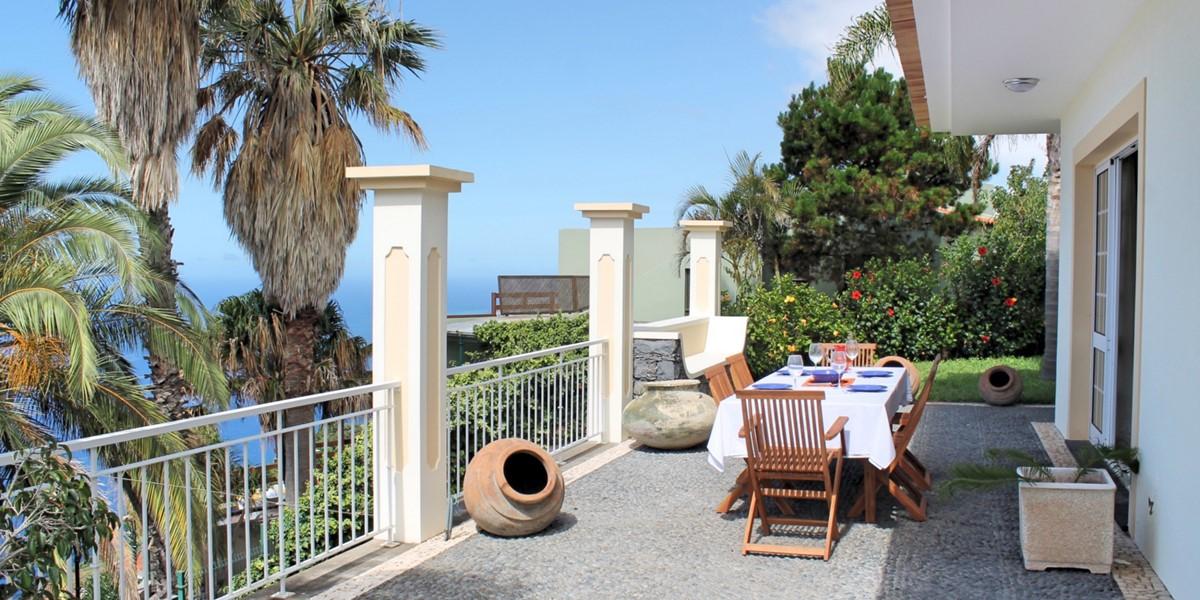 1 MHRD Casa Das Neves Ext Front Terrace 2