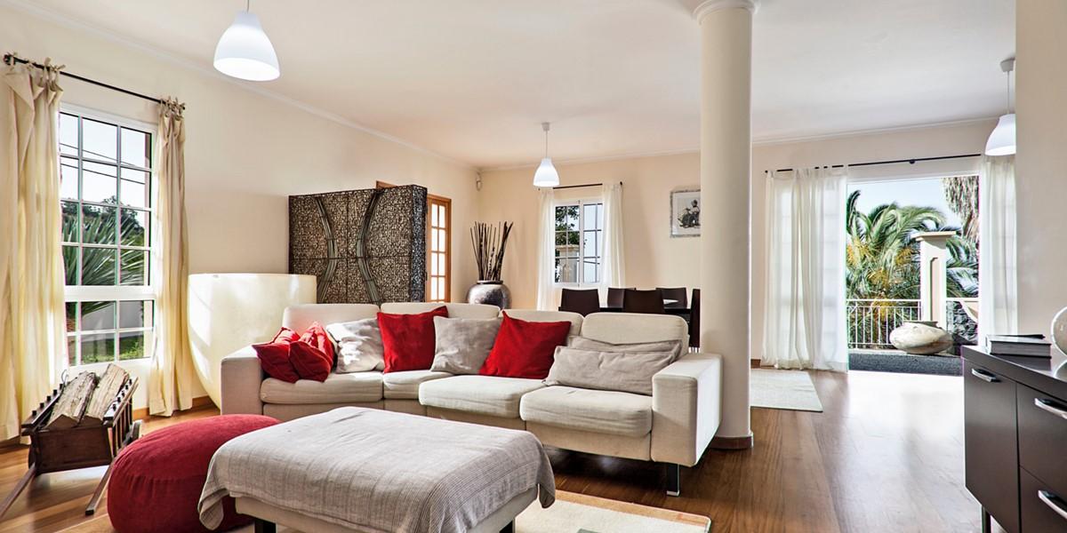 9 MHRD Casa Das Neves Living Area 2