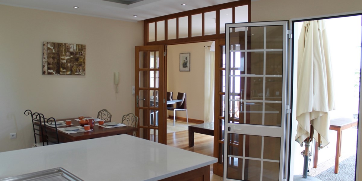 14 MHRD Casa Das Neves Breakfast Room Lounge