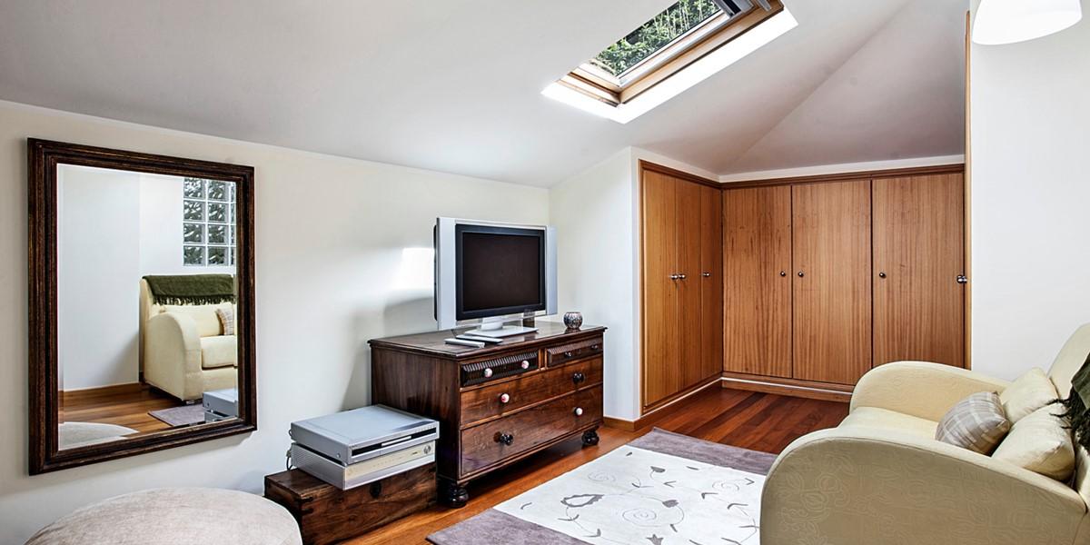 16 MHRD Casa Das Neves Bedroom Master Sitting Area