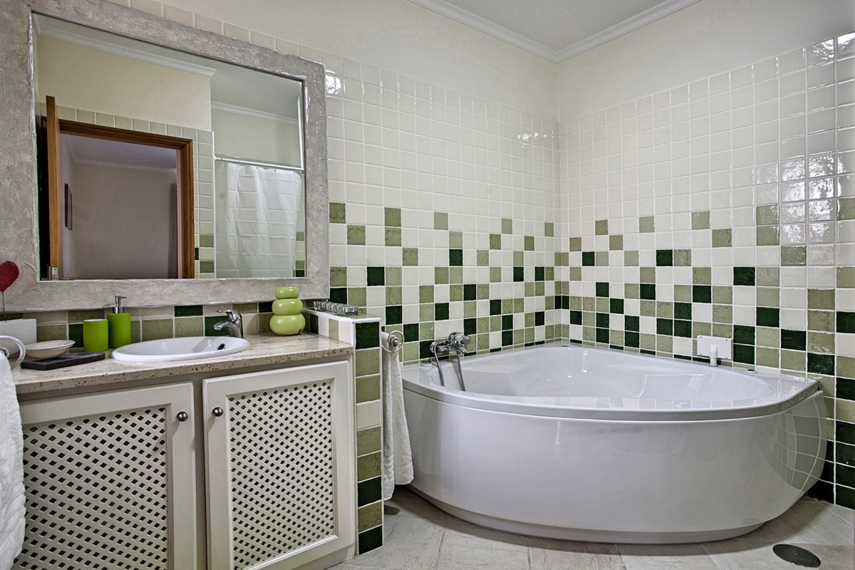 19 MHRD Casa Das Neves BR Bathroom En Suite