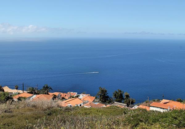 24 MHRD Casa Das Neves Ext View From Garden 2