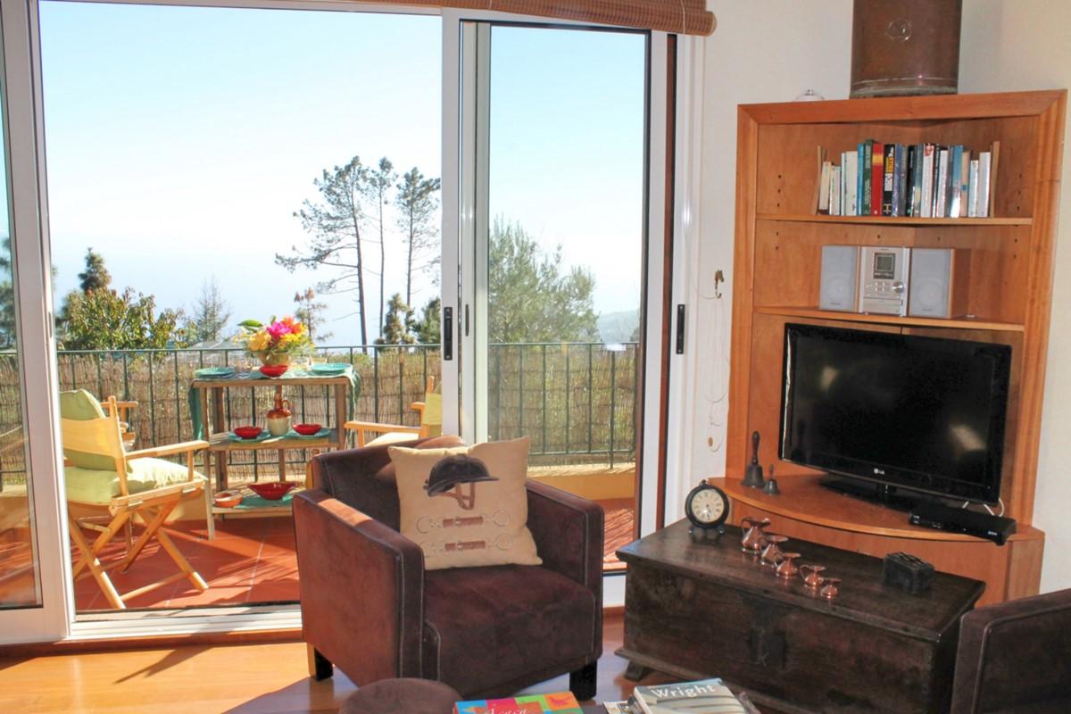 2 MHRD Escapada Dos Cavaleiros Casa Paddock Lounge Balcony View