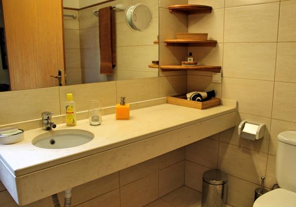 10 MHRD Escapada Dos Cavaleiros Casa Paddock En Suite Bathroom