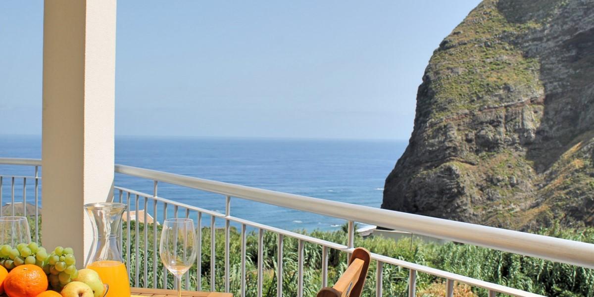1 MHRD Casa Vigia Mar Outdoor Eating 3