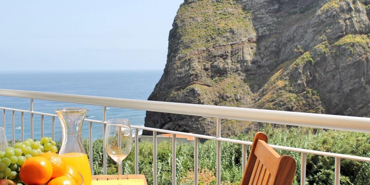 6 MHRD Casa Vigia Mar Outdoor Eating 2