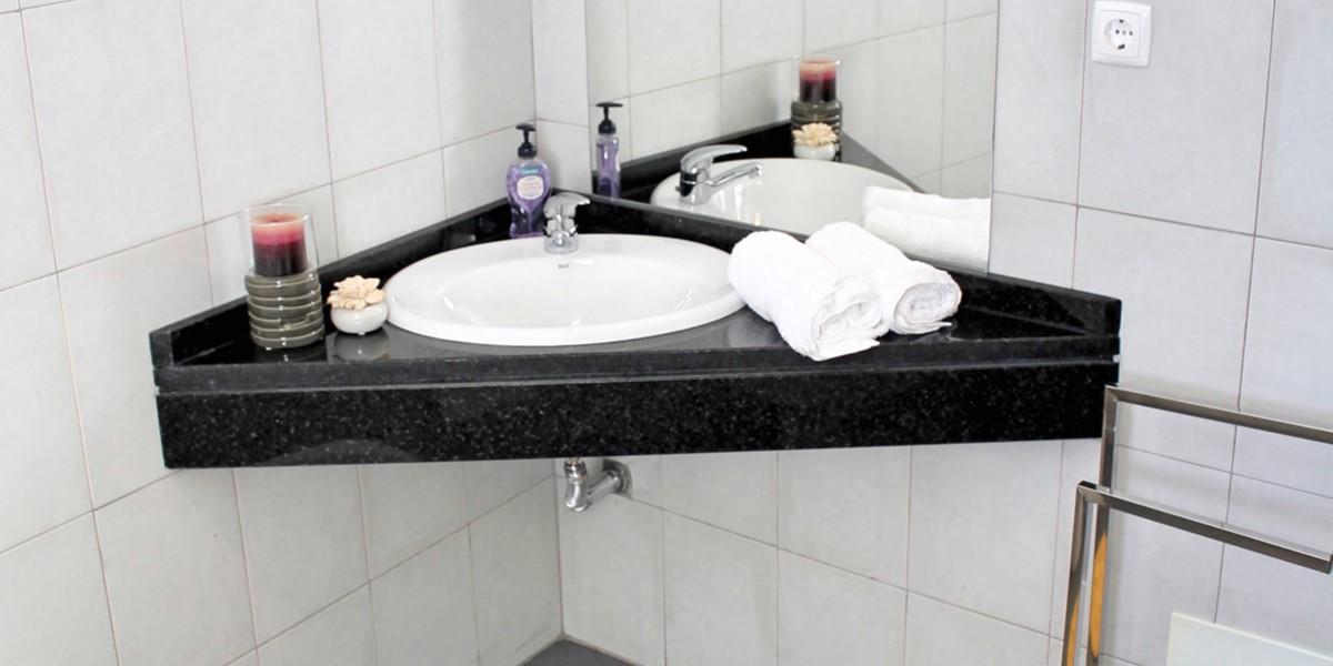 17 MHRD Casa Vigia Mar Bathroom Family 2
