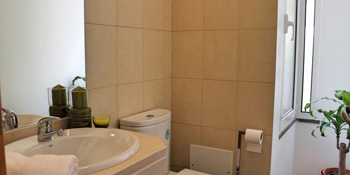 18 MHRD Casa Vigia Mar Bathroom Visitors
