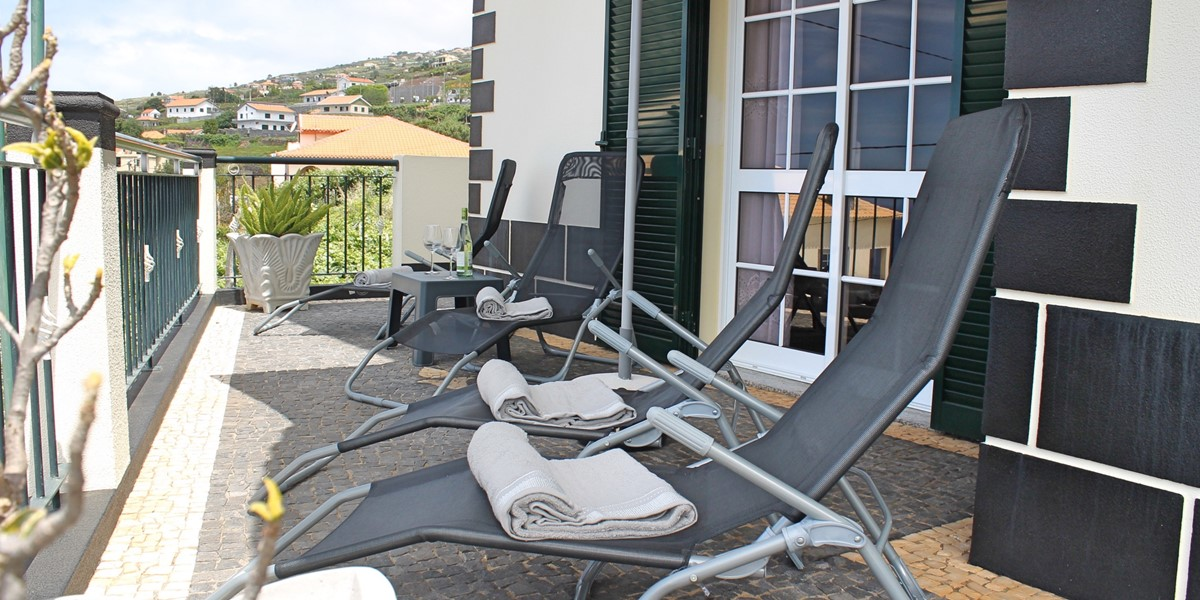 3 MHRD Casa Vista Bela Front Terrace 2