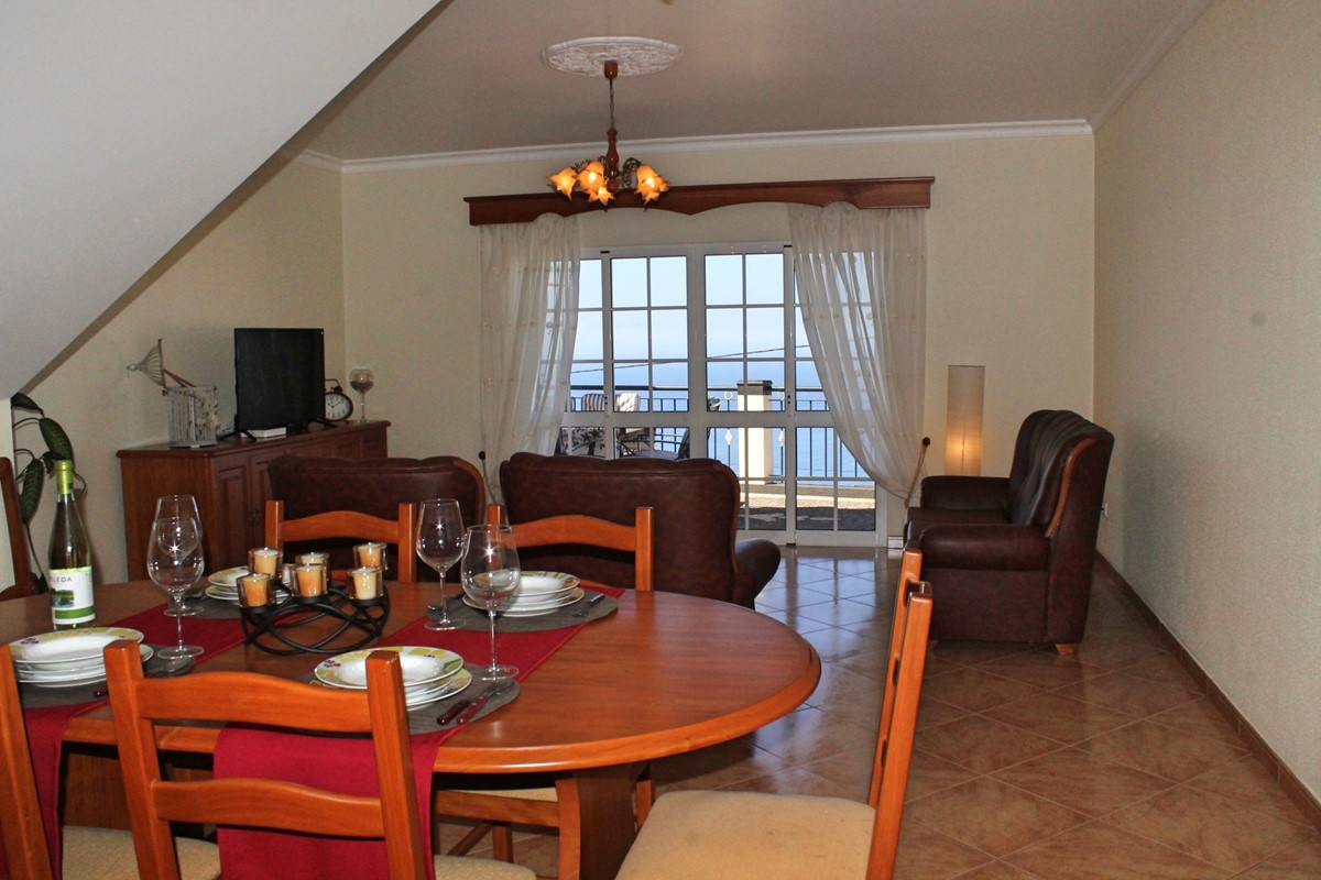6 MHRD Casa Vista Bela Living Area