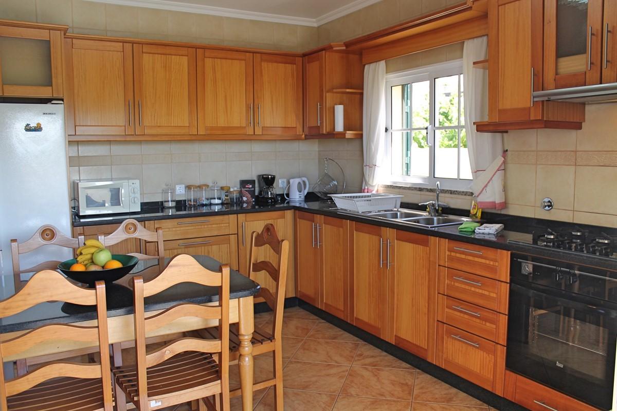 8 MHRD Casa Vista Bela Kitchen