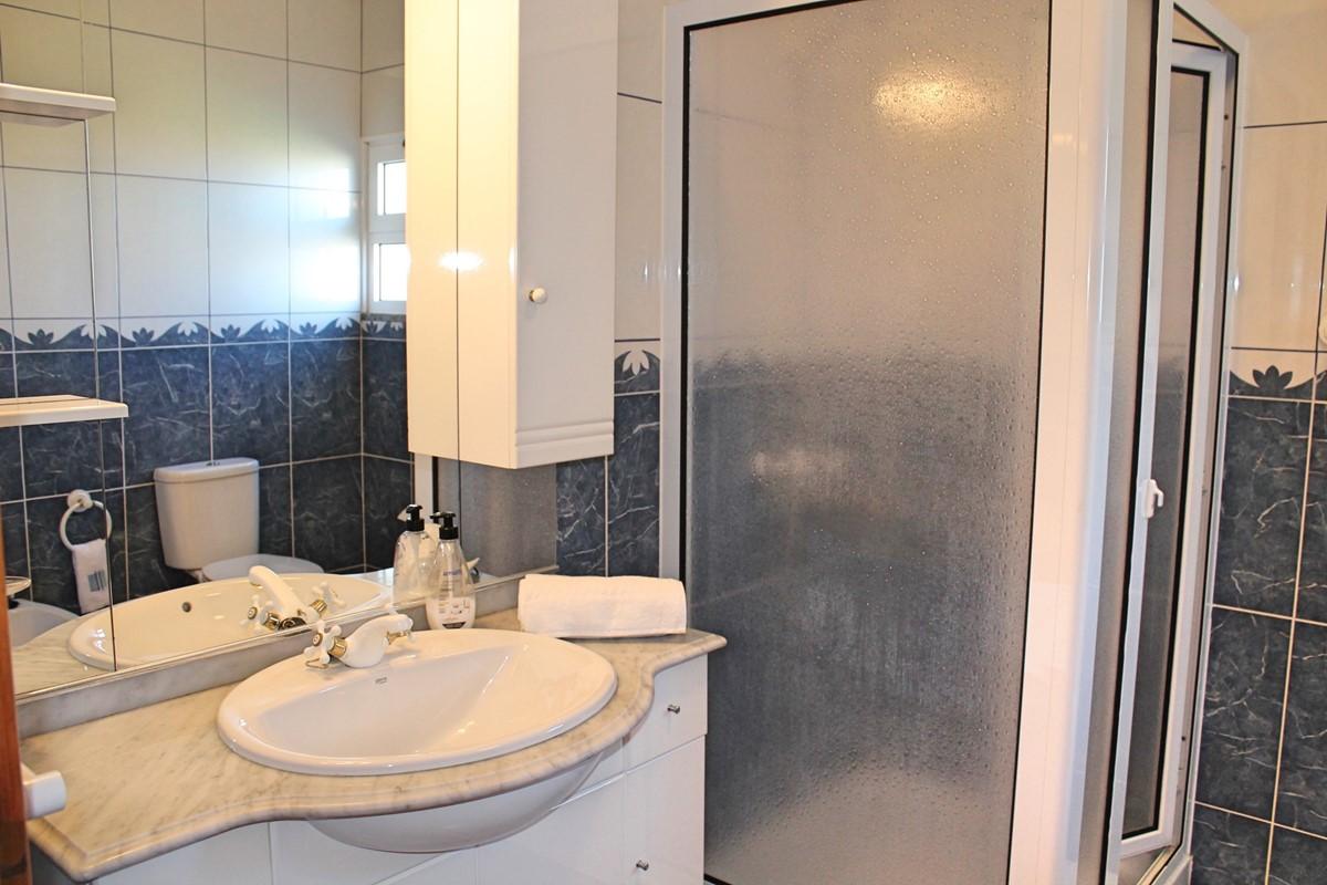 11 MHRD Casa Vista Bela Bathroom En Suite GF