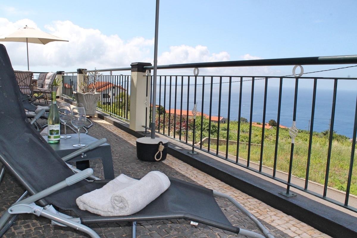 24 MHRD Casa Vista Bela Front Terrace View
