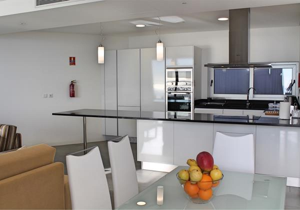 12 MHRD Cliffscape Dining And Kitchen