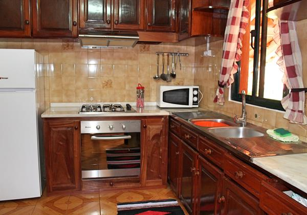 6 MHRD Dinis Country Apartment Kitchen