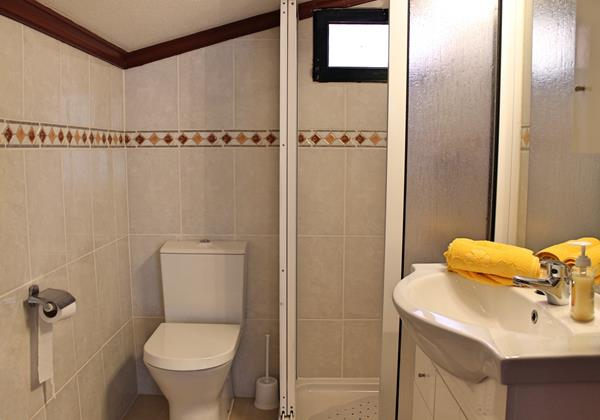 9 MHRD Dinis Country Apartment Bathroom