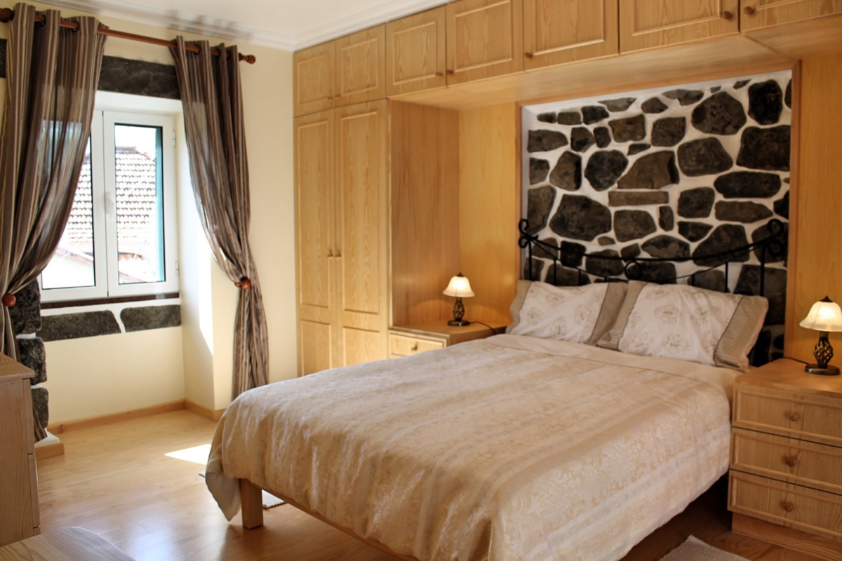 11 MHRD Dinis Country Cottage Master Bedroom 2