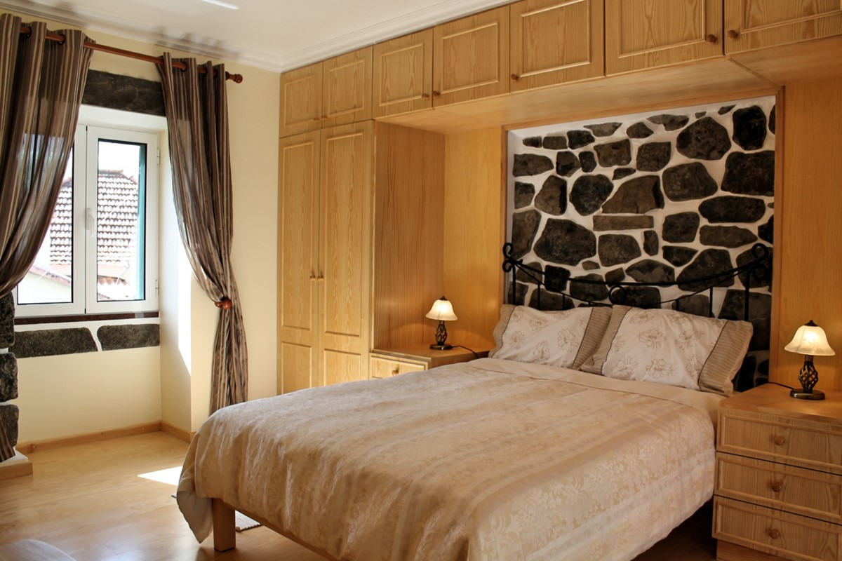12 MHRD Dinis Country Cottage Bedroom 2