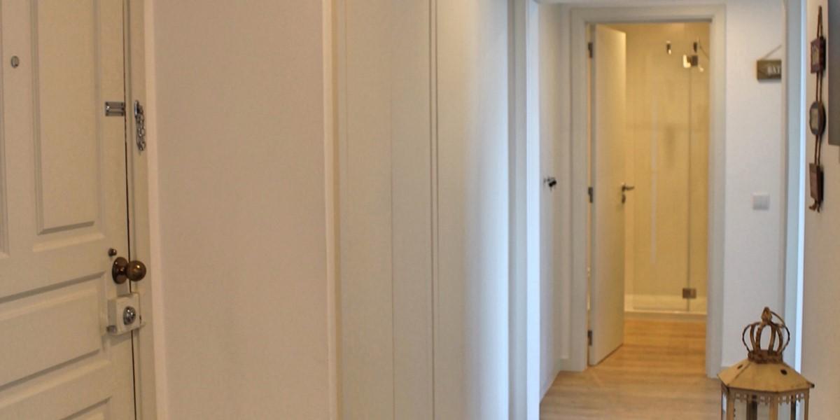 5 Petronella Marina Apartment Hallway