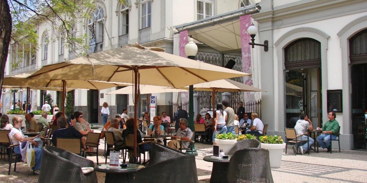 19 Petronella Marina Apartment Cafes
