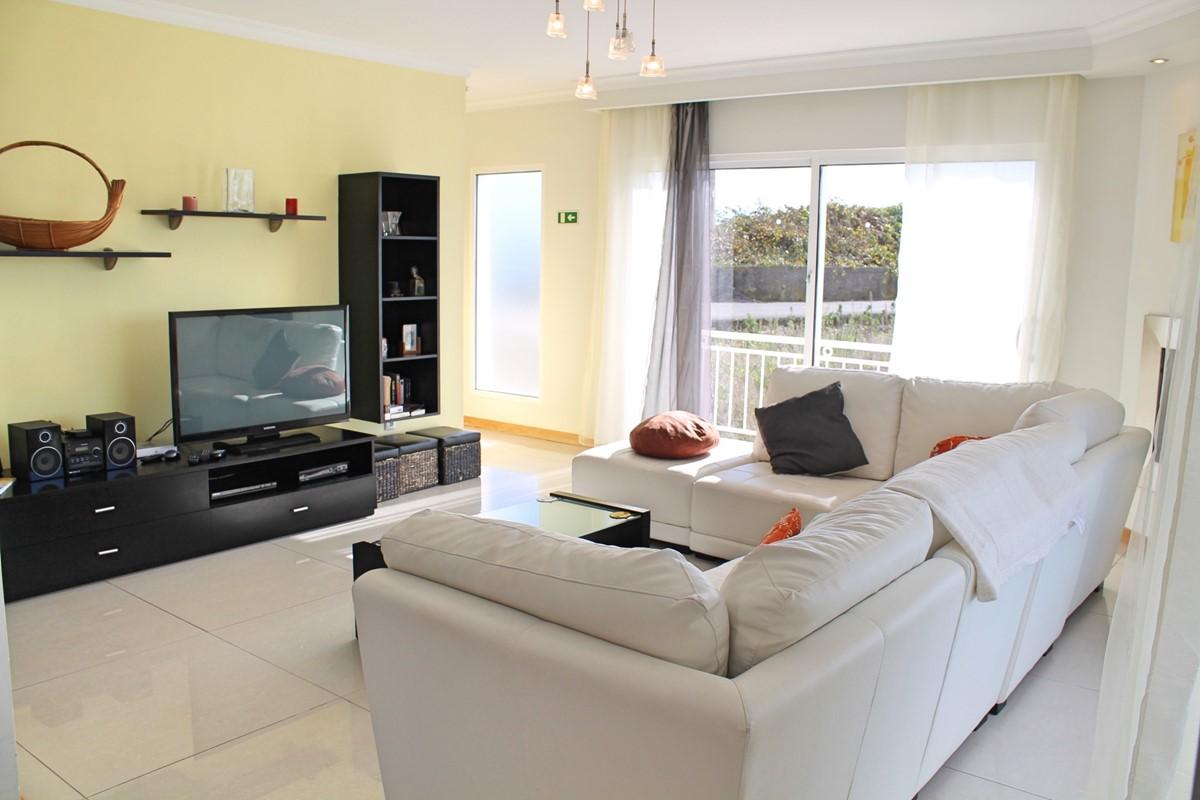 6 MHRD Villa Dilis Lounge 2
