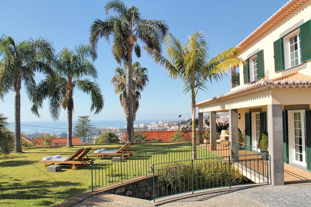 2 MHRD Villa Luzia Exterior Harbour