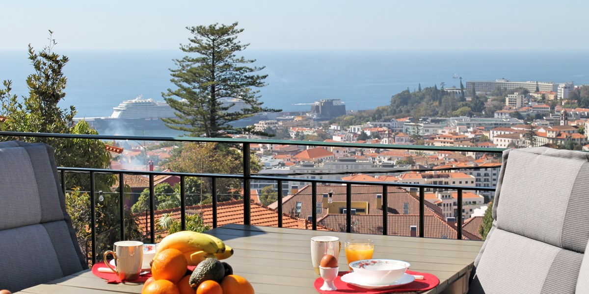 3 MHRD Villa Luzia Outdoor Eating View 3