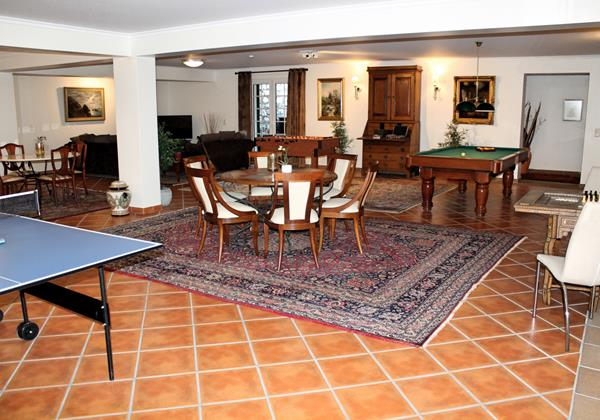 Our Madeira - Villas in Madeira with games room - Villa Luzia Games Room Wide 2