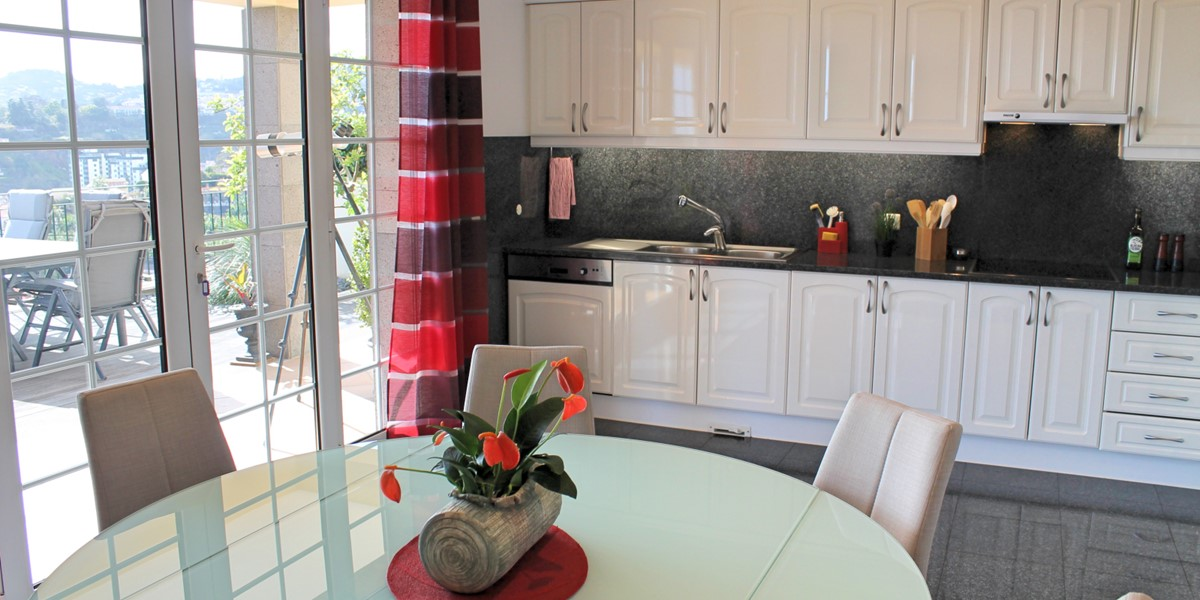 10 MHRD Villa Luzia Kitchen View