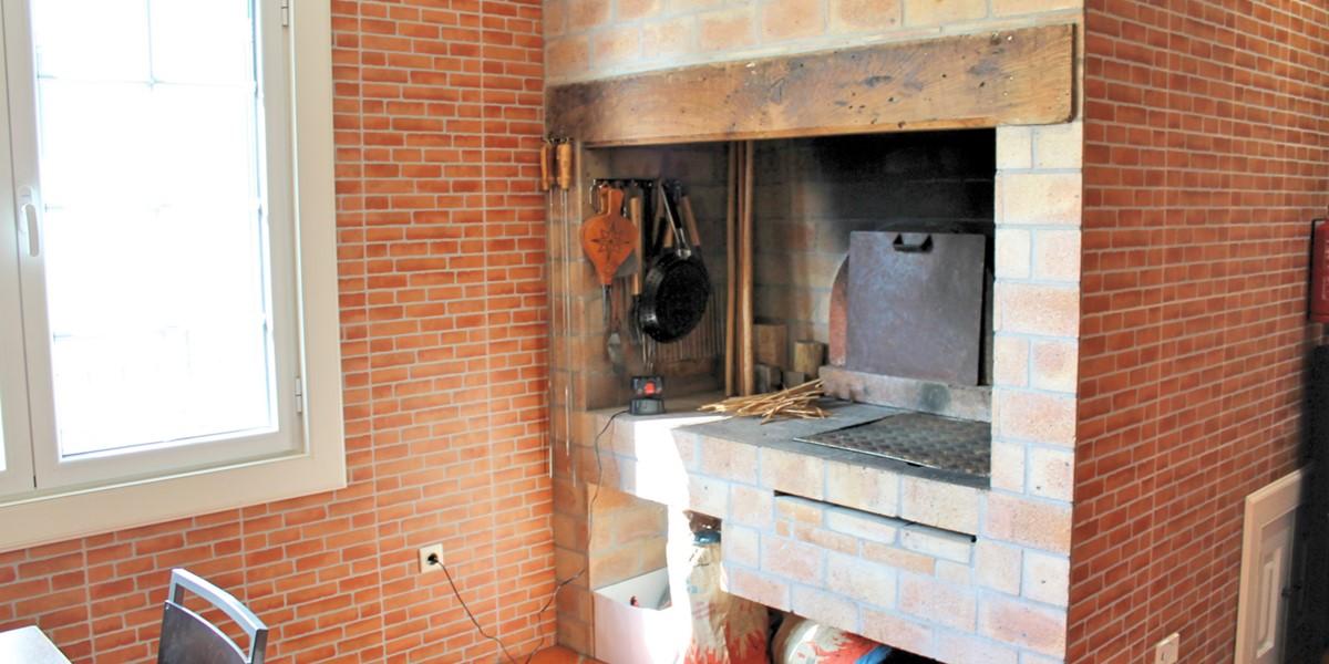 12 MHRD Villa Luzia Barbecue Built In