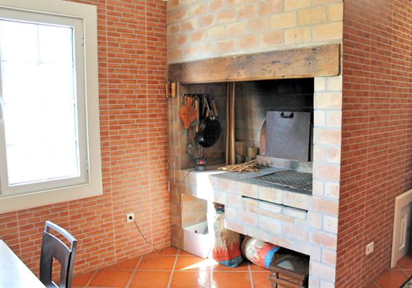 12 MHRD Villa Luzia Barbecue Built In