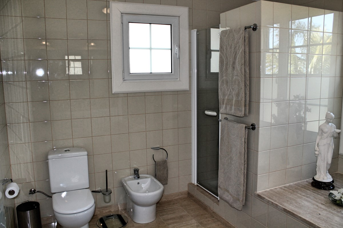 14 MHRD Villa Luzia En Suite To Master Shower