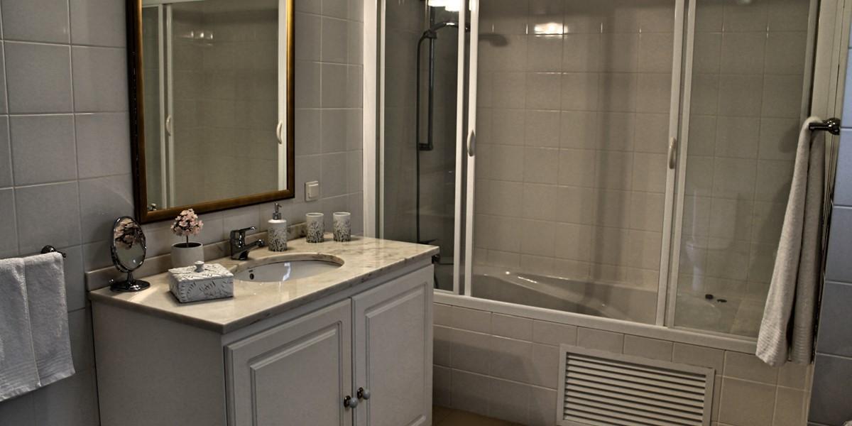 21 MHRD Villa Luzia En Suite To Bedroom 2