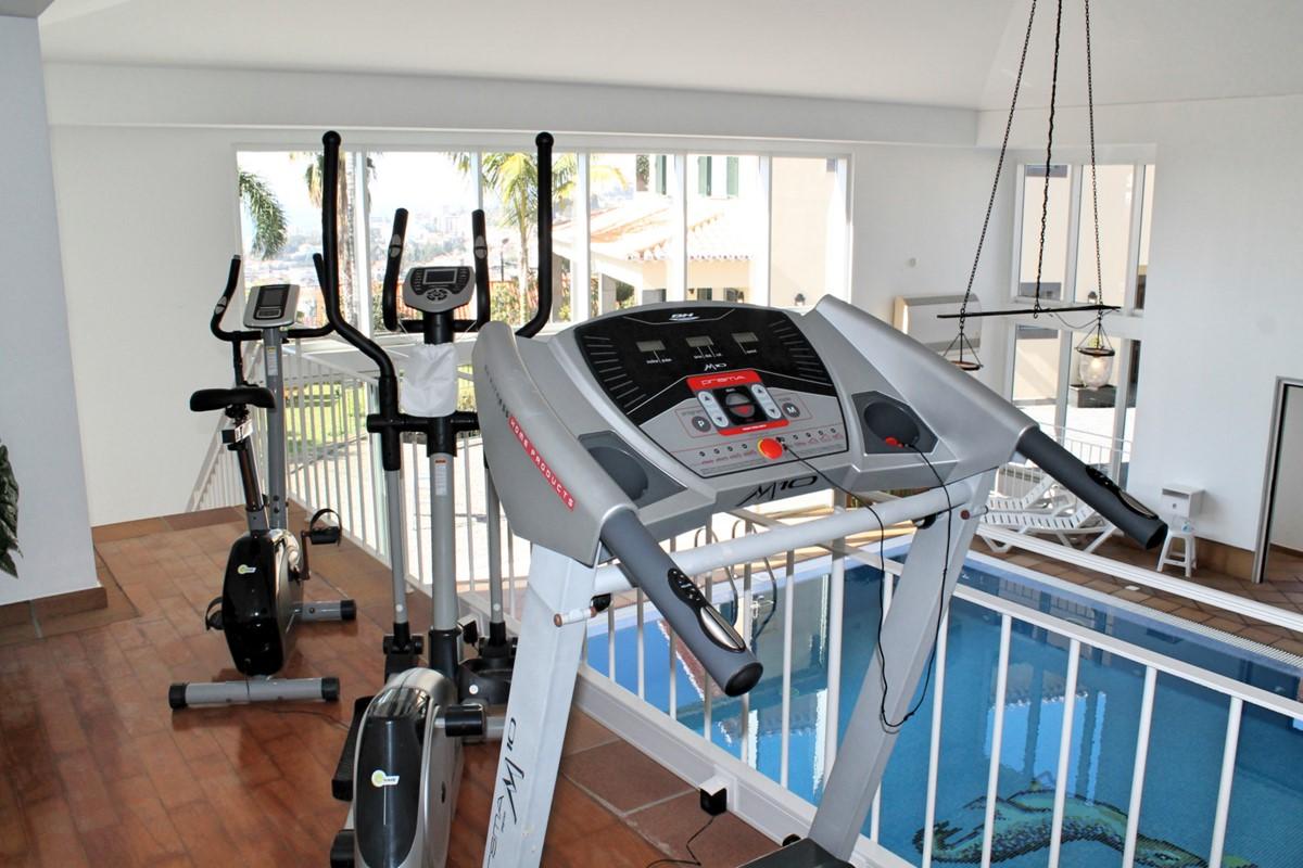 23 MHRD Villa Luzia Fitness Pool Exterior