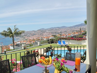 Tranquil large traditional quality house. Town and sea view | Villa Vista Sol