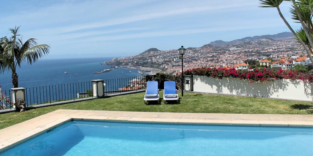 3 MHRD Villa Vista Sol Pool View 1