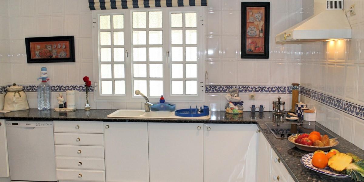 9 MHRD Villa Vista Sol Kitchen 1