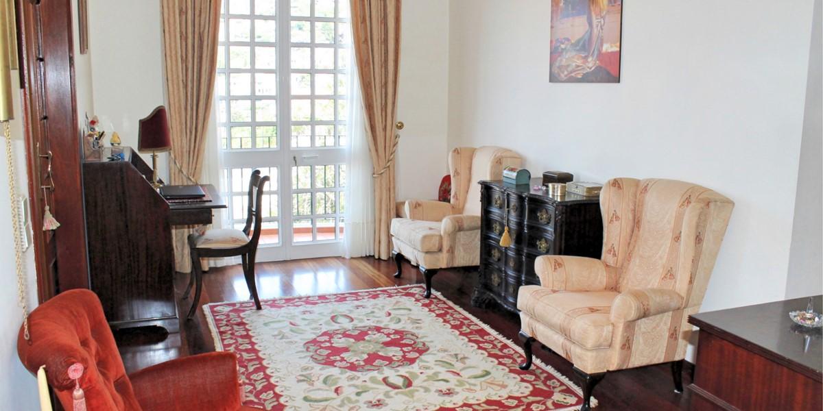 13 MHRD Villa Vista Sol Bedroom 1 Sitting Area