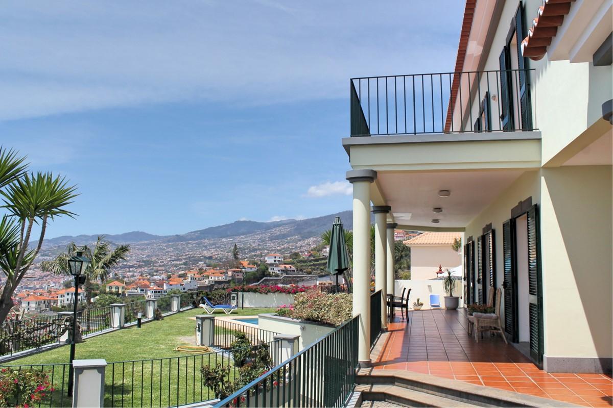 19 MHRD Villa Vista Sol Exterior Garden