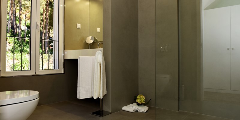 Our Madeira - Apartments in Madeira - Babosas Village Suite Shower Room
