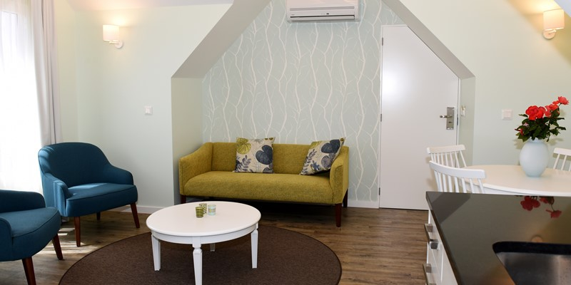 Our Madeira - Apartments in Madeira - Babosas Village Suite Sitting Area