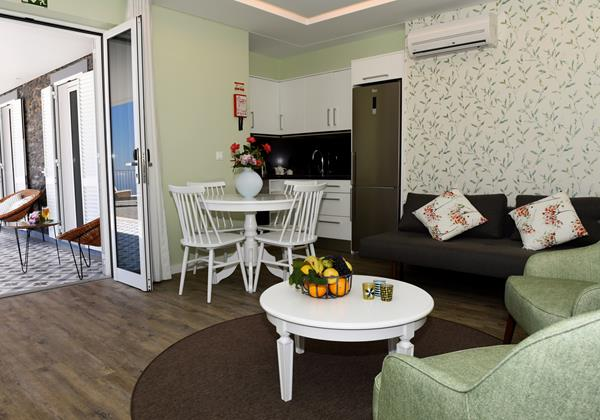 Our Madeira - Apartments in Madeira - Babosas Village Superior Apartment Living Room 2