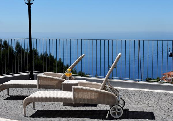 Our Madeira - Apartments in Madeira - Babosas Village Terrace And Sunbeds