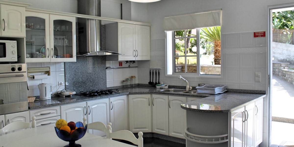 12 MHRD Casa Jardim Mar Kitchen 1