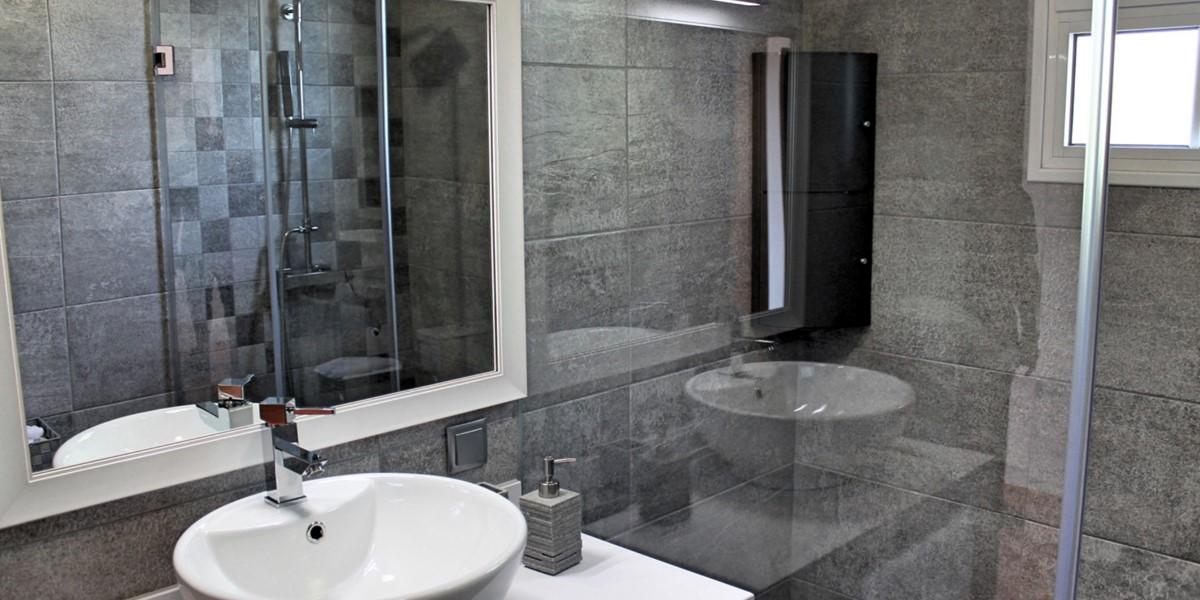 18 MHRD Casa Jardim Mar Bathroom En Suite To Master