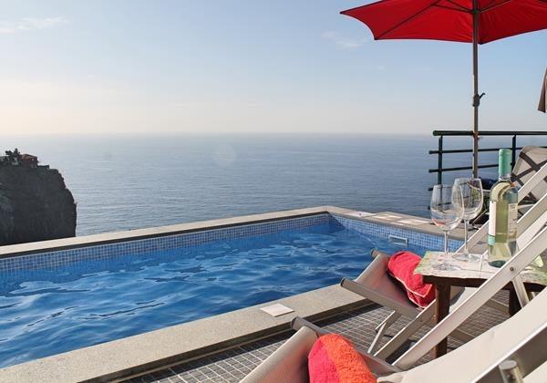 Our Madeira - Villas in Madeira with Pool and Sea-views - Casa Jardim Mar