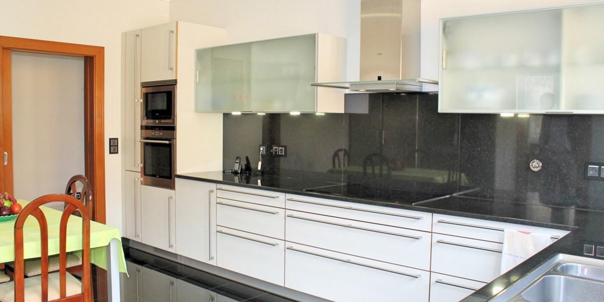 10 Our Madeira Bellevue Villa Kitchen