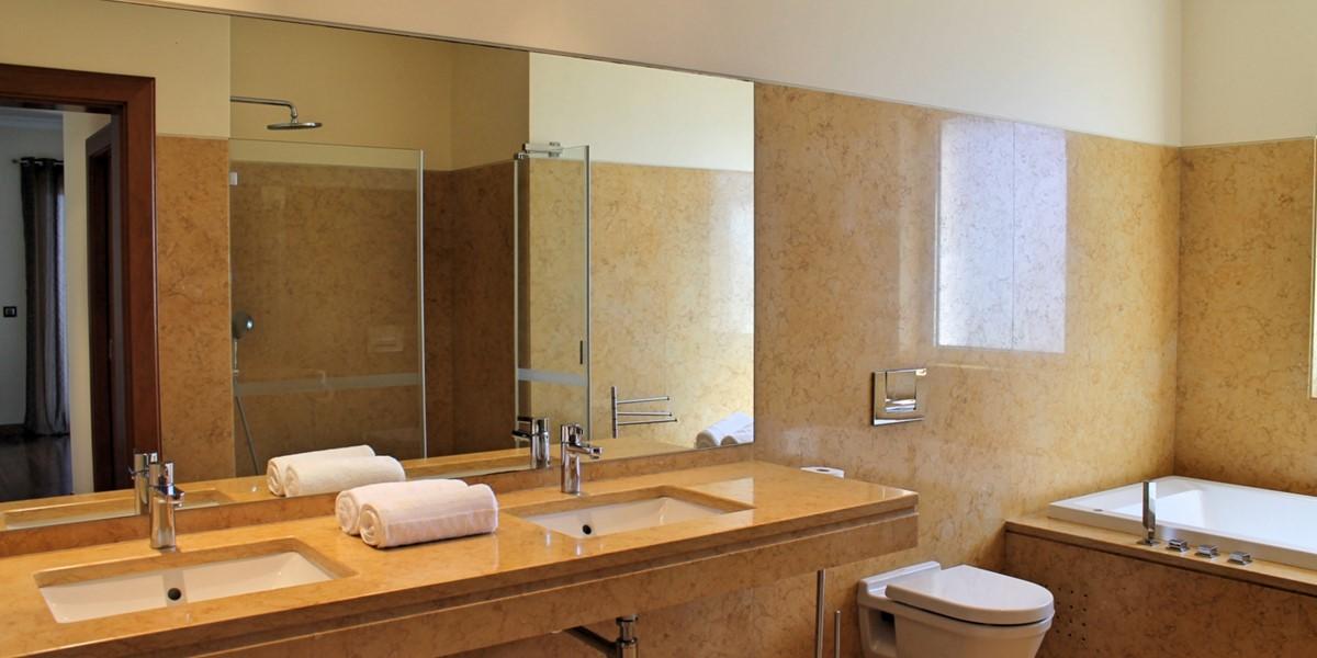 13 Our Madeira Bellevue Villa Bathroom Master En Suite