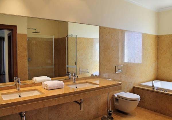 13 Our Madeira Bellevue Villa Bathroom Master En Suite